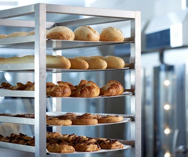 Čistenie pekárenských plechov